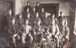 Photocarte Allemande- Militaire Soldats Allemands Pose Photo 1916 (guerre14-18)2scans - War 1914-18