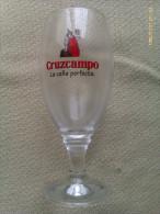 Vaso De Cerveza Cruzcampo. Sevilla. Andalucía. España - Jarras