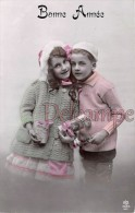 Couple D´enfant Et Cadeaux - Bonne Année - Couple Of Child And Presents - Happy New Year - New Year