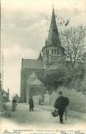 44 CHATEAUBBRIANT L'Eglise St-Jean De Béré Et L'inévitable Photographe - Châteaubriant