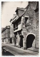 Cpsm 35 - Fougères - Rue Nationale, Les Porches - Fougeres