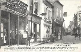 CARTE POSTALE PHOTO ORIGINALE ANCIENNE : SENS ; LA GRANDE RUE ; DEPOT DU PETIT PARISIEN ; YONNE (89) - Sens