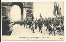 Les Fêtes De La Victoire à PARIS , 14 Juillet 1919 , Le Défilé , Troupes Ecossaises , CPA ANIMEE - Militaria