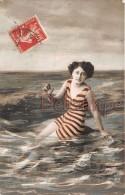 FEMMES - FRAU - LADY - Jolie Baigneuse Surréalisme - Costume De Bain 1900 - Attractive Swimmer Surrealism 1900 - Women