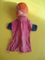 Marionnette/Chaperon Rouge   / En Caoutchouc Dur /Vers 1950      JE75 - Toy Memorabilia