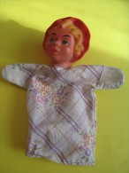 Marionnette/Chaperon Rouge R   / En Caoutchouc Mou  /Vers 1960      JE78 - Toy Memorabilia