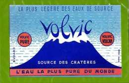 BUVARD La plus legere des eaux de source VOLVIC