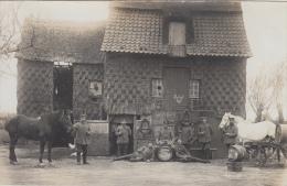 Dadizele Zeldzaam Unieke Fotokaart WOI 1914 - 1918 Moorslede Belgische Soldaten Met Paarden Bij De Schuur   Scan 6282 - Guerra 1914-18