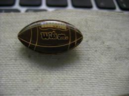 Pin's Ballon De Rugby De Couleur Marron Marqué WILSON - Rugby