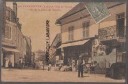42----LA PACAUDIERE--Rue De Groset--Coin De La Place Du Marché--commerces-carte Toilée Colorisée-animé - La Pacaudiere