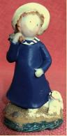 Hartkunststoff-Figur Aus Den 1970er Jahren  -   Mädchen Mit Hund - People