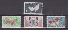 MADAGASCAR : PAPILLONS 4 TIMBRES - Farfalle