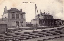 Achères..animée..la Gare - Acheres