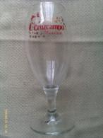 Vaso De Cerveza Cruzcampo. Sevilla. Andalucía. España. Navidad 2009 - Vasos