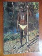 Australian Aborigines. A Tribal Huntsman Returns With A Python For A Meal - Aborigènes