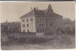 Old Postcard Of Large Building - Buildings & Architecture