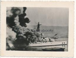 P58 -  Navire Cuirass� avec importante fum�e - Classe Courbet, Paris ? - photo ancienne