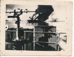 P58 -  Navire de guerre touch� et d�tail de pont - Cuirass� cl Courbet ?? - photo ancienne