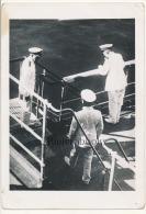 P58 - Officiers de Marine  sur un navire - photo ancienne