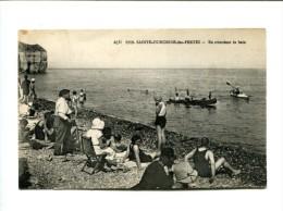 CP -SAINTE HONORINE DES PERTES (14) En Attendant Le Bain - France