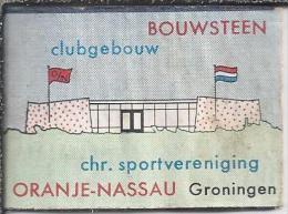 Luciferetiket. Bouwsteen. Clubgebouw Oranje-Nassau Groningen. Chr. Sportvereniging. Etiket. Matchbox-cover. Label - Luciferdozen - Etiketten