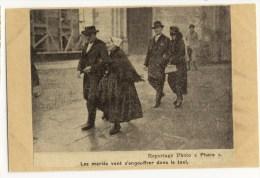 CHALLANS Les Mariés. Voir Description. 2 Clichés - Challans