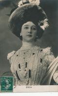 FEMMES - FRAU - LADY - SPECTACLE -  Jolie Carte Portrait Femme Artiste Avec Chapeau - La Belle OTERO - Women