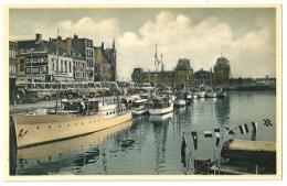 Cpa: BELGIQUE OSTENDE Bassin Du Commerce Et Gare Maritime  (bateaux, Camion, Bus) - Oostende