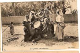 CPA - ALGERIE - CHARGEMENT D'UN CHAMEAU - Algérie