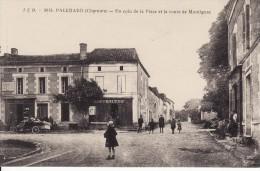 PALLUAUD - Un Coin De La Place Et La Route De Montignac - Autres Communes