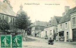 72 PARIGNE-L'EVEQUE  Petite Place De L'Eglise - Francia