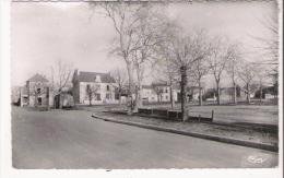 PERSAC (VIENNE) PLACE DE LA MAIRIE - Autres Communes