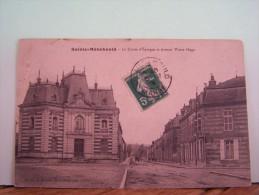 SAINTE-MENEHOULD (MARNE)  LES BANQUES. LA CAISSE D'EPARGNE ET AVENUE VICTOR HUGO - Sainte-Menehould