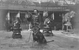 - 28 - PARIS - Jardin Zoologique D´Acclimatation - BOSTOCK´S Jungle - Le Dompteur Gaillard Au Milieu Des Fauves - Parchi, Giardini
