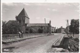 SAINT MARTIN L'ARS (VIENNE)  LE PONT SUR LE CLAIN ET L'EGLISE - Autres Communes