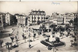 66 - Perpignan - Place Arago   TTB  Timbrée - Perpignan