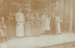 BELLE CARTE PHOTO DE LA DEVANTURE D UN CAFE - CARTE ENVOYEE DU BOULEVARD RICHARD LENOIR A PARIS -  A SITUER - Cartes Postales