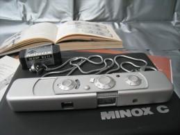 MINOX   C  ( Avec Mode D´emplois Et Manuel Du Petit Minox  ,  Voir Photos  ) - Macchine Fotografiche