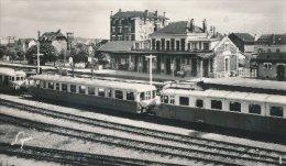 78 : Conflans Sainte Honorine Autorail Type Micheline En Gare - Frankrijk