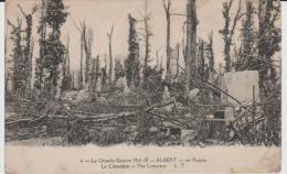 J :  Somme  :  ALBERT  :    Vues  Du  Cimetière  En  Ruine - Albert