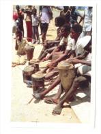 Images Chocolat Poulain : Fête Au Son De La Musique, Pour Ces Enfants Du Mozambique - Poulain
