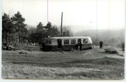 (chemins De Fer De L´Yonne) -  Autorail  Billard ( Photo Schnabel Format Carte Ancienne) - Stations With Trains
