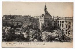 CP, 31, TOULOUSE, Le Donjon, Le Square Du Capitole, écrite, Voyagé En 1928 - Toulouse