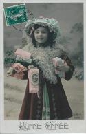 """ENFANTS - LITTLE GIRL - MAEDCHEN - Jolie Carte Fantaisie Portrait Fillette Avec Joli Chapeau De """"Bonne Année"""" - Portraits"""