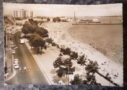 SAINT-NAZAIRE (44). LOT DE 2 CPM : LA PLAGE Et L´HÔTEL DE VILLE . PHOTO VERITABLE.  ANNEES 1960 - Saint Nazaire