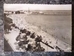 SAINT-NAZAIRE (44). LOT DE 2 CPM : LA PROMENADE DEVANT LA PLAGE ET LA PLAGE. PHOTO VERITABLE.  ANNEES 1960.TBE. - Saint Nazaire