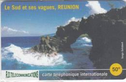 REUNION - Le Sud Et Ses Vagues, R.D. Prepaid Card 50 FF, Tirage 2000, Mint - Reunion