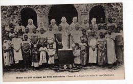 Mission Du Shire (Afrique) Des Peres Montfortains - Soeurs De La Sagesse Au Milieu De Leurs Chretiennes - Mozambique