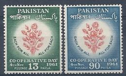 140010796  PAQUISTAN  YVERT  Nº  153/4  **/MNH - Pakistan