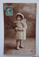 Jolie CPA  Patriotique -  Bonne Année - Enfant , Houx, Fille En Manteau De Fourrure - Retratos